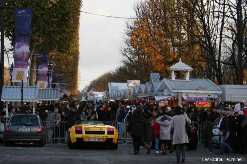Un dimanche paris march s de no l grande roue et - Marche de noel paris defense ...