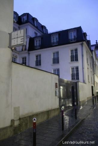 Entrée du Kube Hôtel à Paris