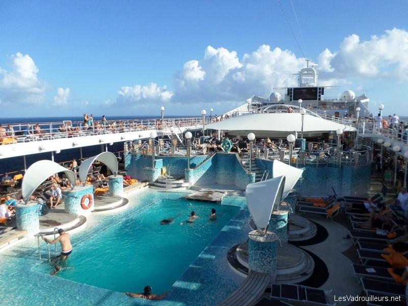 Le msc musica un navire de croisi re plein d 39 l gance for Club piscine plus