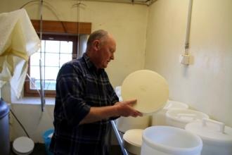 été dans le Val d'Hérens : Fabrication ce fromage alpage de Thyon