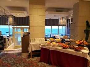 Grand Hôtel des Thermes : buffet petit-déjeuner