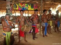 Les-hommes-jouent-de-la-musique
