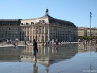 Le-miroir-deau-à-Bordeaux