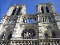 Notre-Dame-de-Paris-symbole-de-France