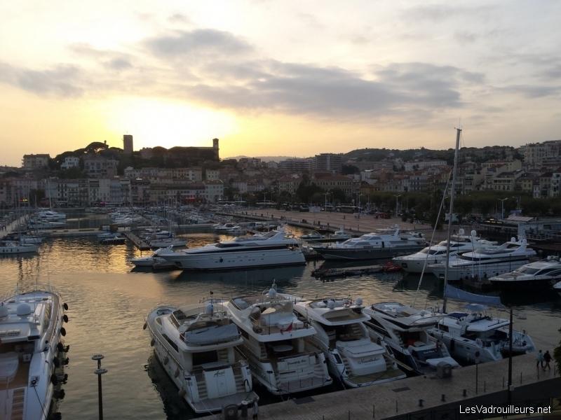 Soleil couchant au vieux port de Cannes