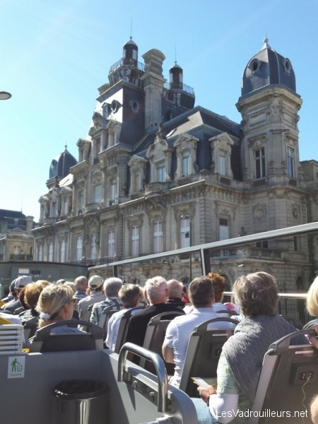 Découverte de Bordeaux en bus Visiotour