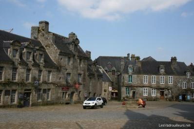Place de Locronan