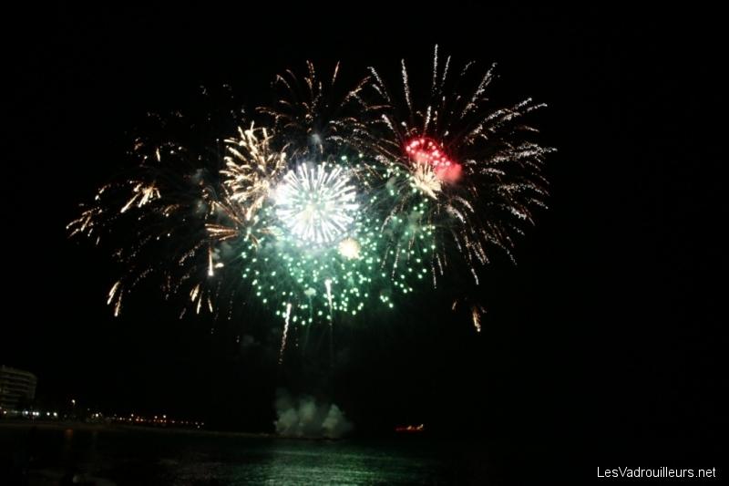 Feu d'artifices à Saint-Raphael pour le Nouvel An