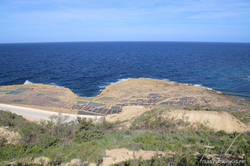 Salines de Qbajjar vues depuis la colline