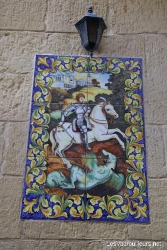 Mosaïque sur la devanture d'une maison