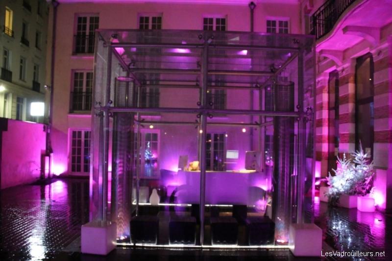 on a test le kube paris du luxe dans un quartier populaire. Black Bedroom Furniture Sets. Home Design Ideas