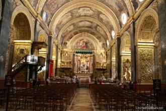Intérieur de la co-cathédrale Saint-Jean