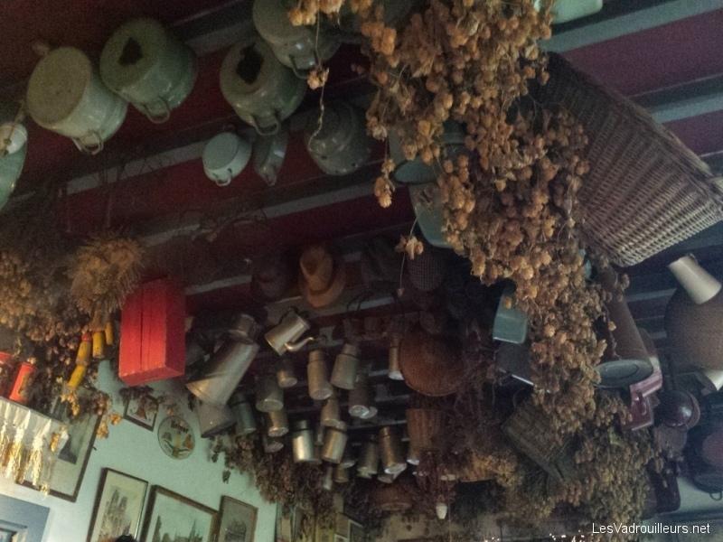 Décoration plafond estaminet