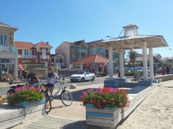 Soulac-sur-Mer : belle station balnéaire 1900