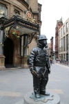 Statue pompier devant Grand Central Hotel