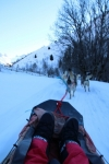 Le traineau glisse sur la neige