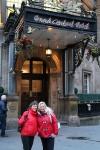 Devant le Grand Central Hôtel
