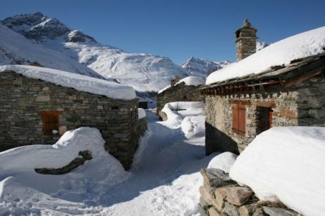 Village de montagne en hiver