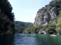 Les Basses Gorges du Verdon vues depuis l'eau