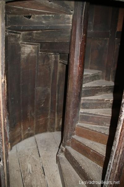 Escalier tournant de la tour ecclésiale