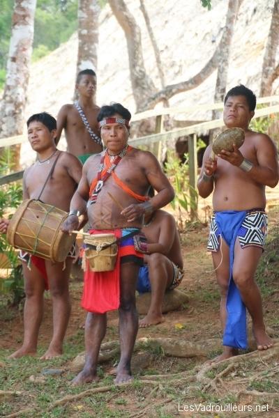 Accueil en musique chez les Embera