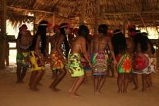 Les femmes dansent ...