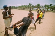 Des pêcheurs sur la côte du Togo
