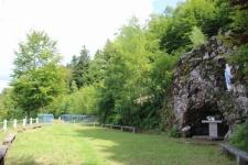 Grotte et statue de la Vierge