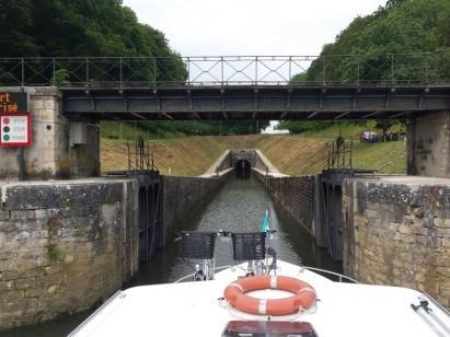 Approche de l'entrée d'un tunnel