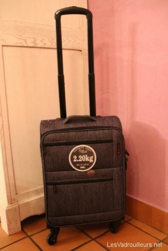 La valise cabine Lys avec poignée étirée