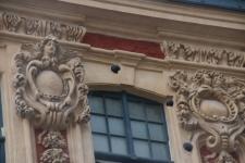 Boulets de canon sur la façade