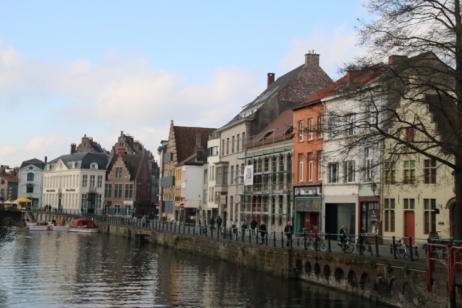 Maisons flamandes au bord de la Lys
