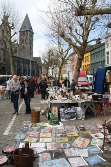 Brocante à la place Bij Sint-Jacobs