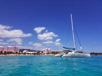 Voilier sur la mer Caraïbes
