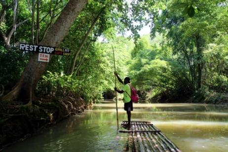 Que faire en Jamaique ? Bambou Rafting sur la rivière Martha Brae