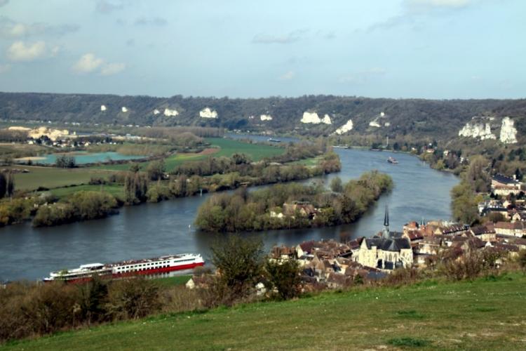 Les Andelys et la Seine