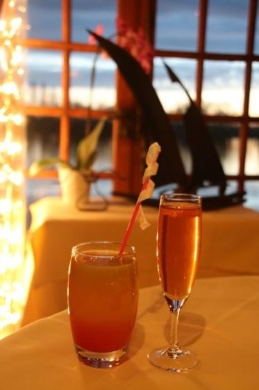 Diner romantique en bordure de Seine