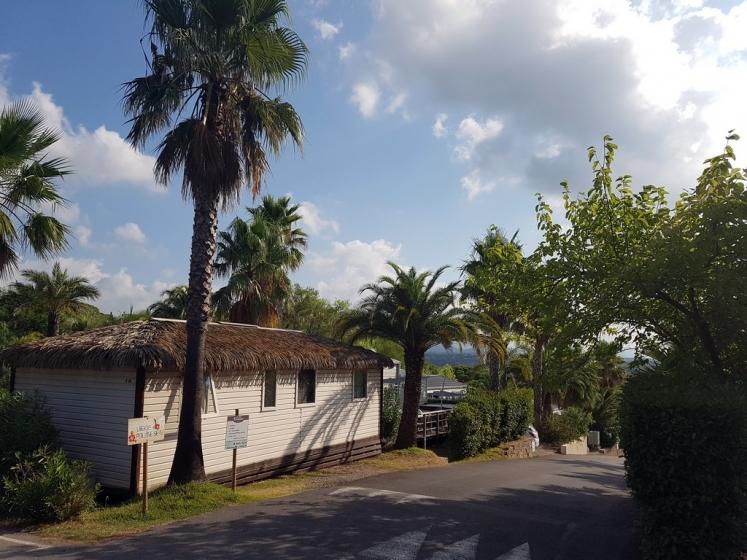 Domaine du Colombier : Le village polynésien