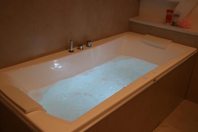 La baignoire balnéo