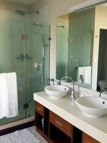 Paradise Beach : salle de bain de notre chambre