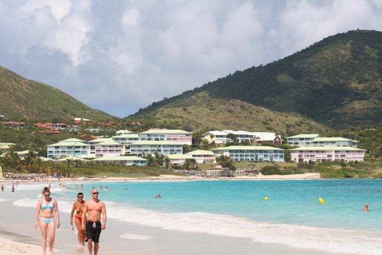 Plage paradisiaque de Baie Orientale - Saint-Martin