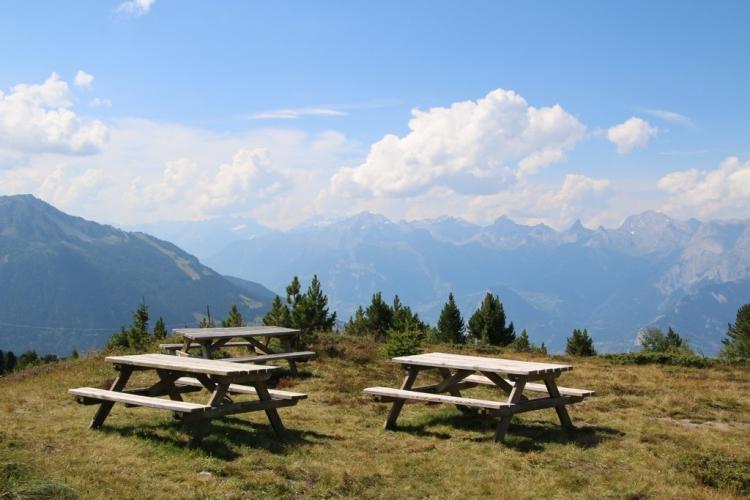 Val d'Hérens : tables avec vue panoramique