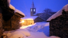 Bonneval sur Arc : le vieux village éclairé la nuit