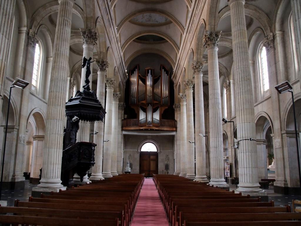 Boulogne sur Mer : intérieur basilique Notre-Dame-de-l'Immaculée-Conception