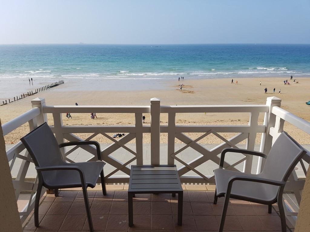 Grand Hôtel des Thermes : notre terrasse vue mer