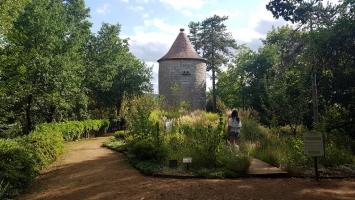 Le Périgord noir : Jardin panoramique de Limeuil