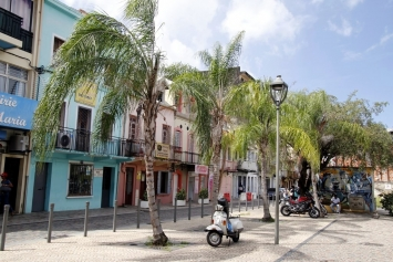 Hiver à la Martinique : Pani pwoblem, des maisons colorées