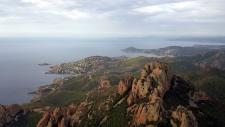 Randonner dans l'Esterel : Le Tour du Cap Roux