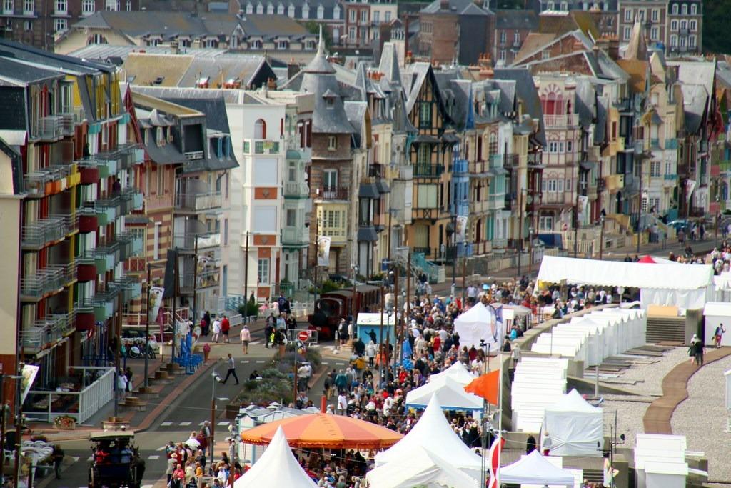 Du monde à la Fête des Baigneurs de Mers-les-Bains !