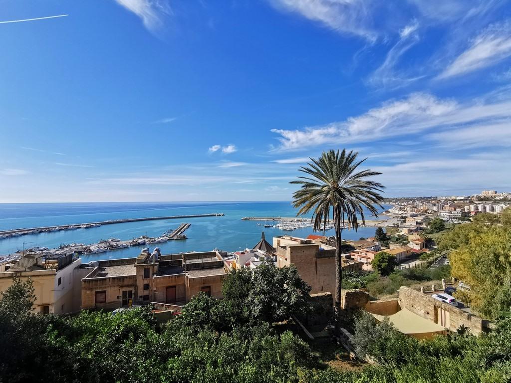 Sicile en Novembre : Vue sur le port de Sciacca